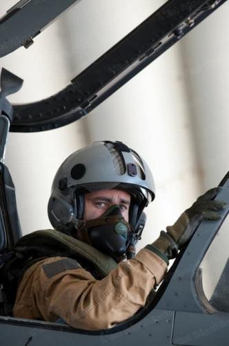 le-commandant-marc-scheffler-totalise-plus-de-3-800-heures-de-vol-dont-2-200-heures-sur-mirage-2000d-photo-dr.jpg