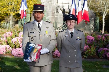 le-caporal-chef-abdou-et-l-adjudant-donze-au-3e-rima-de-vannes.jpg
