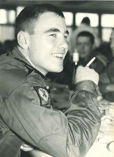 TJ jeune Lieutenant au 1 RCP.jpg